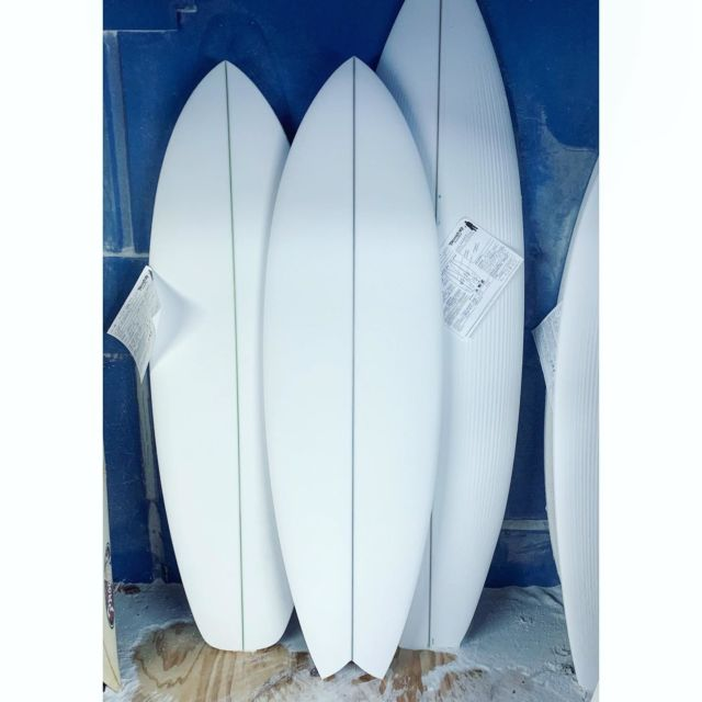 A new design / Just shaped it:  So what do you call a twinny with the nose of a #Hideoscillous the tail of the #lilrascalsurfboard a #Jetstreamsurfboard hull contour using a single-to-double concave bottom, and a touch more tail rocker added to the Hiddy's bottom line so it has a whippier turning radius??? This ones for Skip from Ventura who helped me think of new ways to make the #Postmodjet fish design even more nuclear.  I used to perpetually be helping my buddy work on his VW Fastback that seemed to always be breaking down. Some good memories trying to figure out our only mode of transport to get up coast...maybe call it the Fastback...?? (...and yes, it has a beak nose)